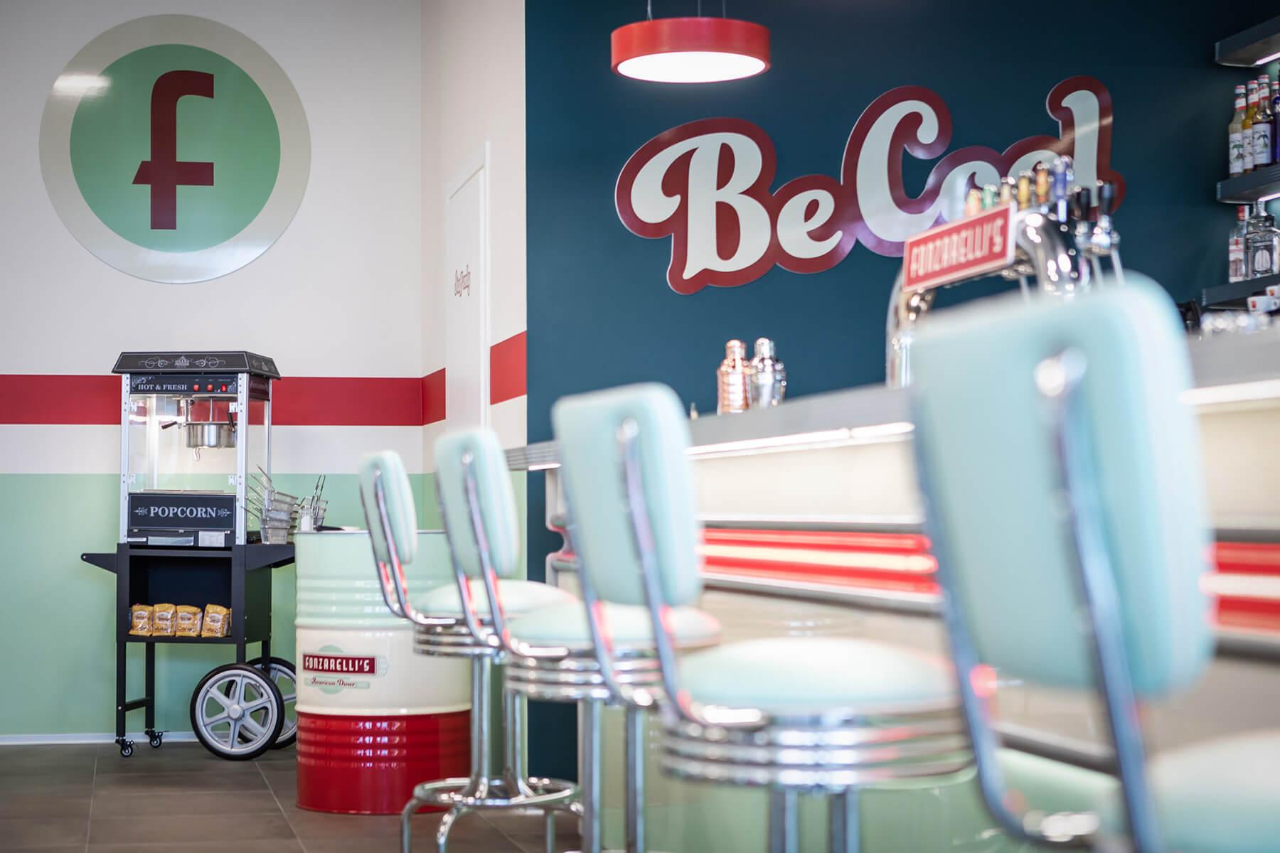 Macchina da pop corn e bar in stile anni '50